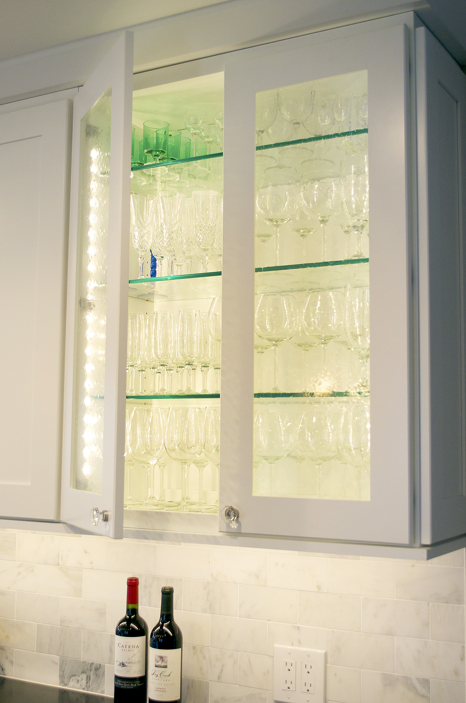 tysons-corner-glass-facing-cabinets